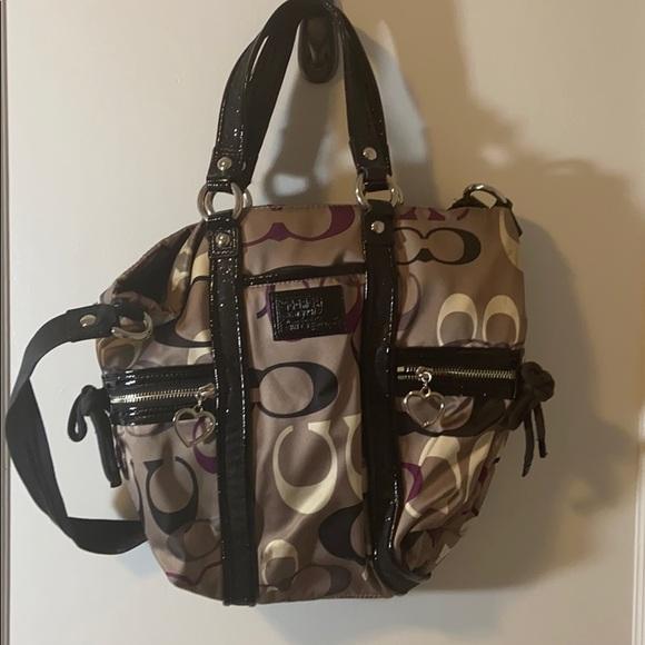 Coach Handbags - EUC Coach Poppy Purse